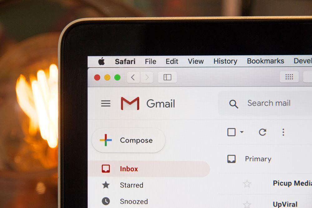 ¿Qué elementos no deben faltar en tu footer de email?